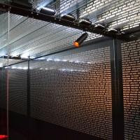 Fig. 5. Particolare dell'installazione con i nomi delle vittime sul tetto