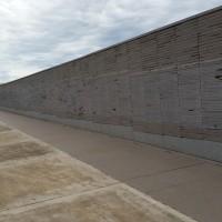 Fig. 5. Parque de la Memoria Buenos Aires, Il muro dei nomi