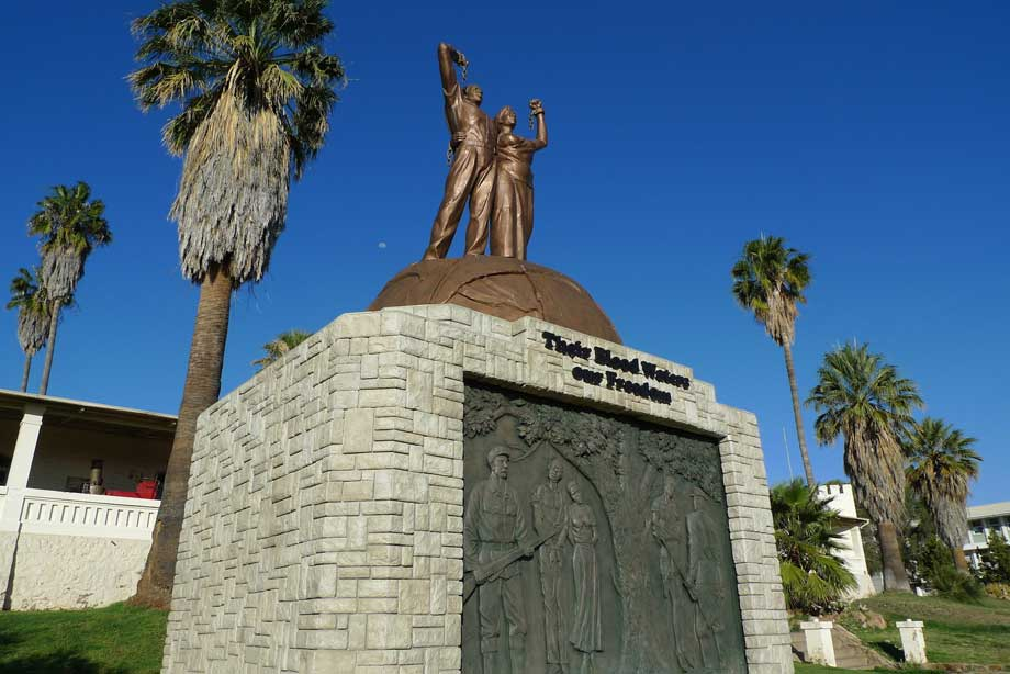Fig. 11: Genocide Memorial Statue. Fonte: http://www.countercurrents.org