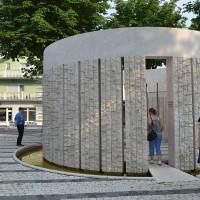 Fig. 15. Monumento a Kozarac dedicato alle vittime della pulizia etnica